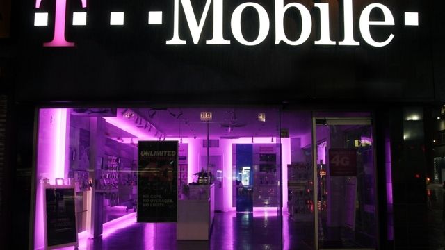 15 million T-Mobile customers' information hacked, Experian says