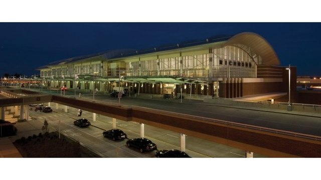 Impending winter weather causing delays, cancellations at RIC