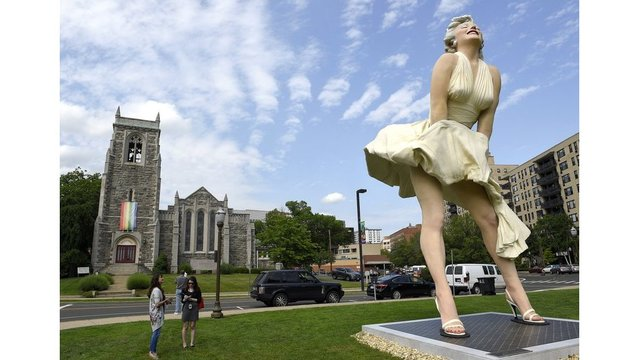 Some like it not: Marilyn Monroe statue has church venting