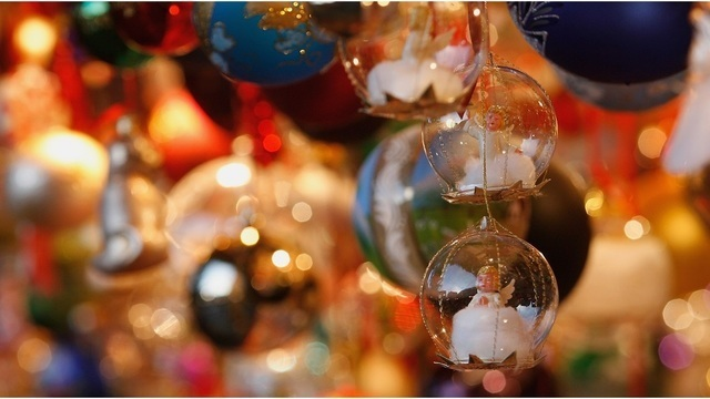 Decorating for the holidays earlier could make you happier, study claims