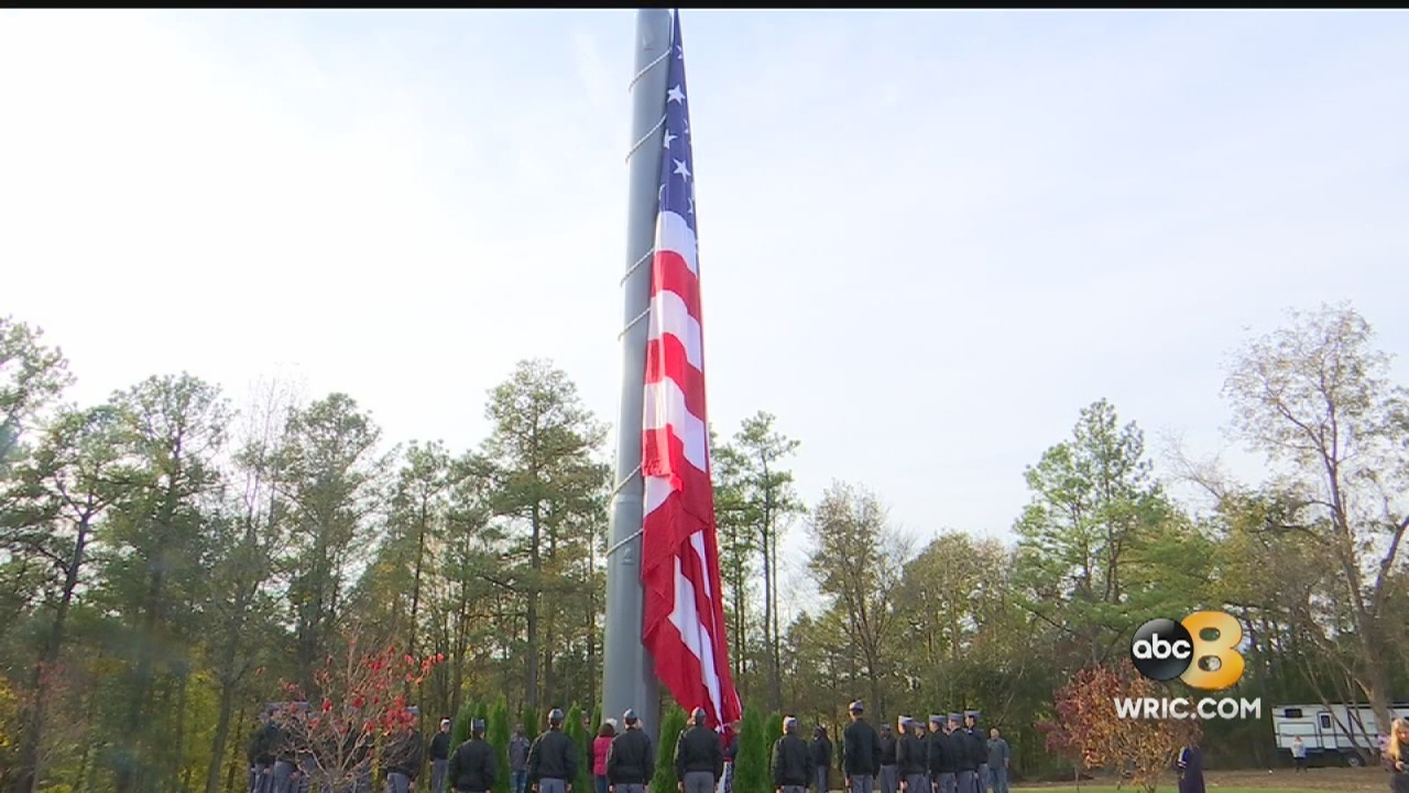 tallest flagpole in virginia along i 95 now flying american flag
