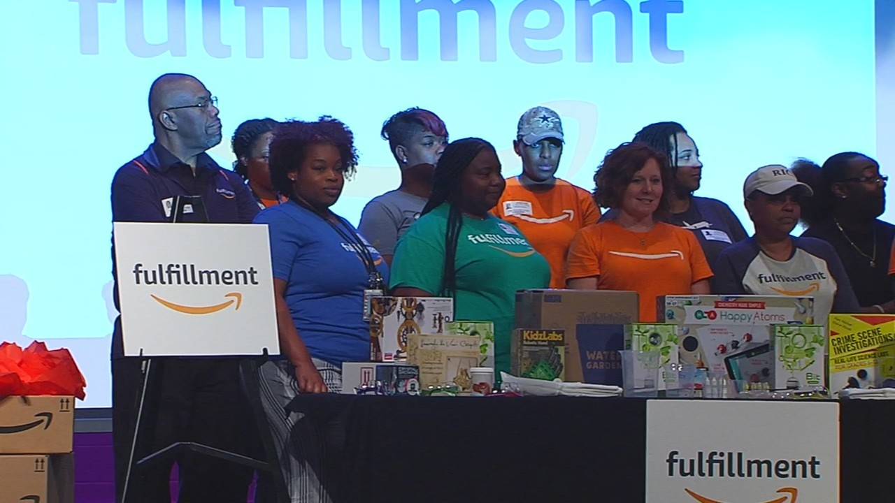 Petersburg High School gets $10K donation from Amazon for new facility